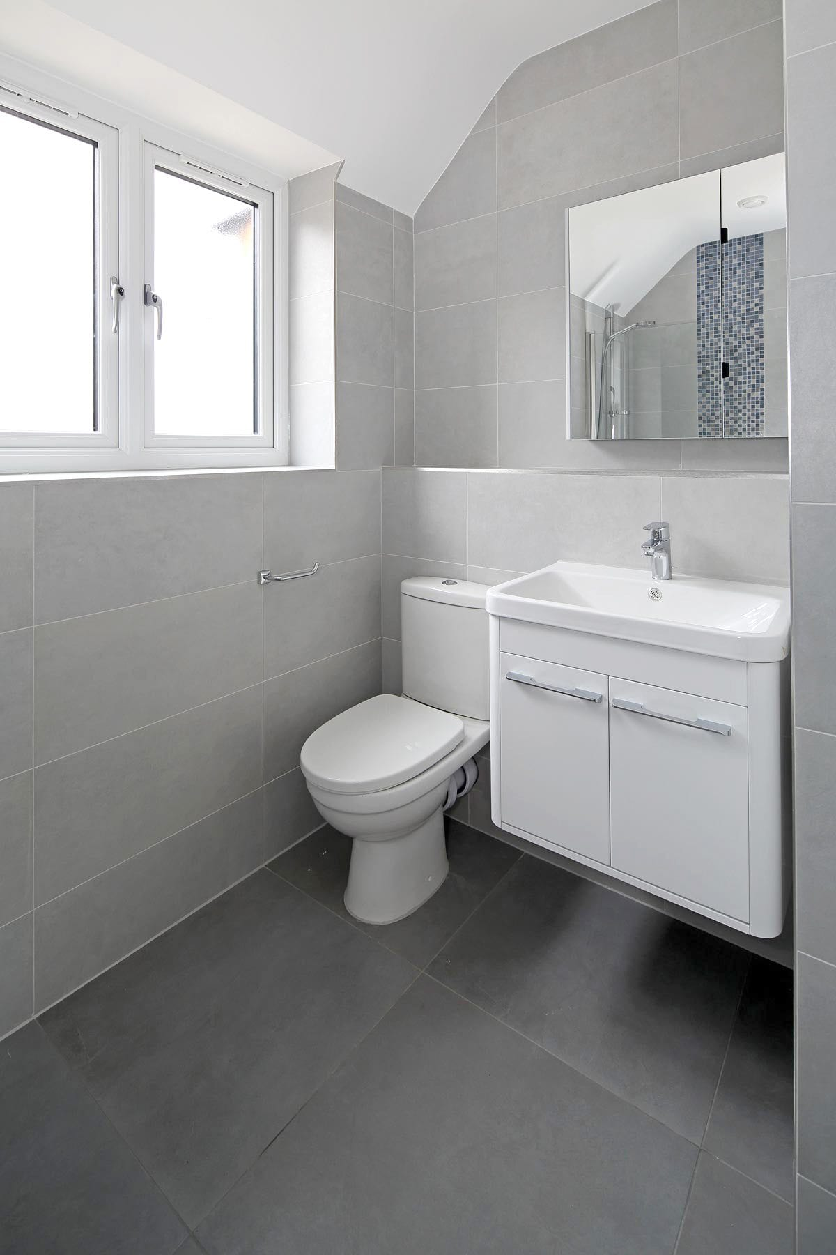 Beaconsfield rivergate homes for Bathrooms direct